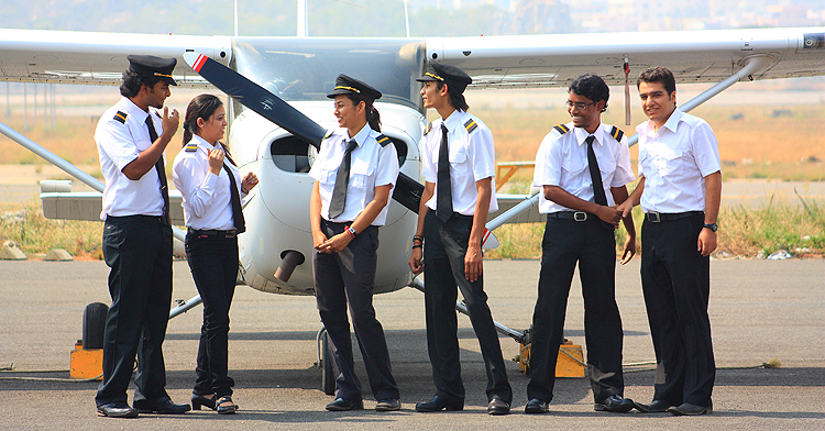 What is the job duties for commercial pilots & What skill